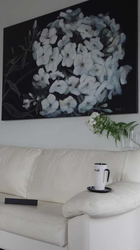 Black&White Phlox painting in interior