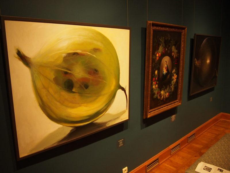 Kadrioru Kunstimuuseum. Kunstnikuga näitusel Kamille Saabre